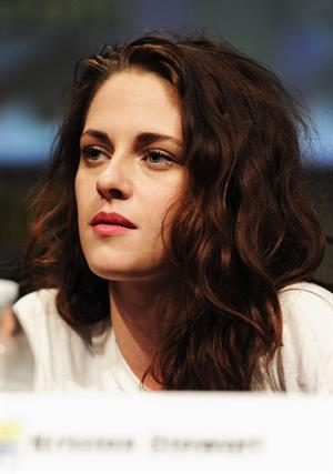 Kristen Stewart -  The Twilight Saga: Breaking Dawn - Part 2  Comic-Con Press Conference in San Diego (12 Jul 2012)
