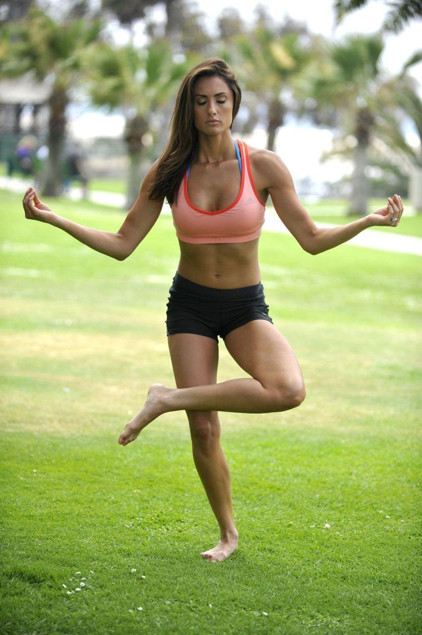Katie nackt Cleary Katie Cleary