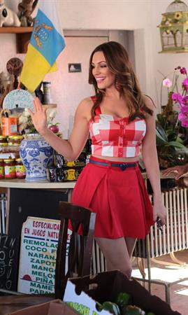 Kelly Brook - New Look Photoshoot In Miami February 4, 2013