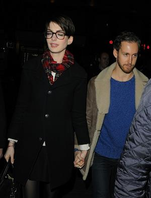 Anne Hathaway leaving her hotel and heading to the Empire Cinema Theatre in London - December 4, 2012