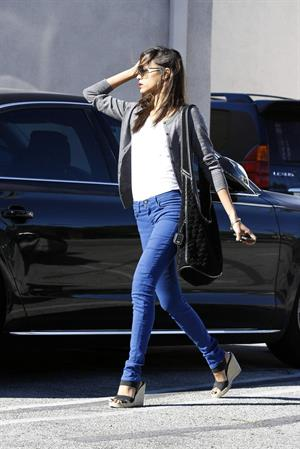 Zoe Saldana Out in Los Angeles January 4, 2012
