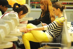 Jessica Alba at a beauty salon in New York February 14, 2012