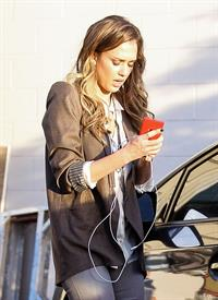 Jessica Alba Left her office in Los Angeles - November 14, 2012