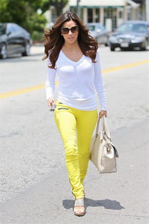 Eva Longoria Leaving Ken Paves hair salon in Los Angeles (May 22, 2013)