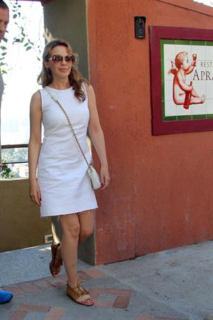 Kylie Minogue lunch at Aprazivel restaurant in Santa Tereza October 3, 2012
