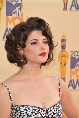 Ashley Greene at the 2009 MTV Movie Awards arrivals in Universal City