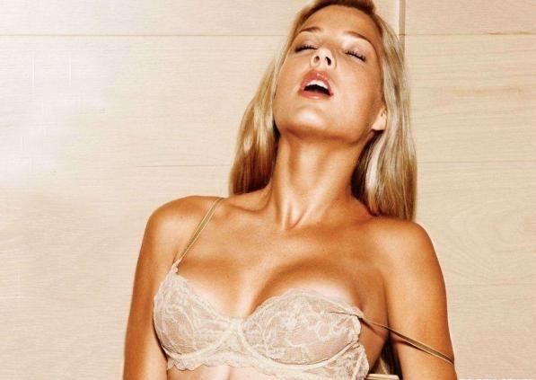 Dominique Storelli in lingerie