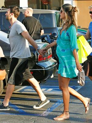 Alessandra Ambrosio shopping at Planet Blue in Malibu