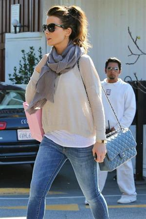 Kate Beckinsale shopping at Calypso store in Brentwood January 31, 2013
