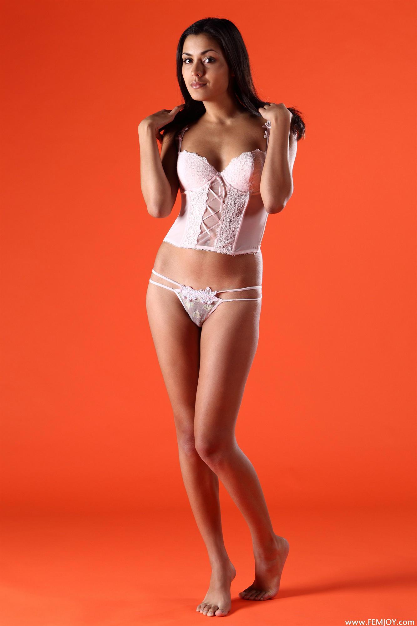 Stefania in lingerie