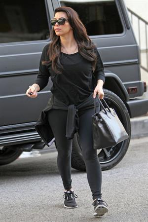 Kim Kardashian - Heads to the gym in LA (29.01.2013)