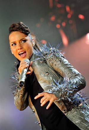 Alicia Keys performs in Anpwerpen Belgium on May 15, 2010