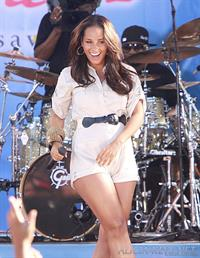 Alicia Keys performing on Good Morning America on June 25, 2010