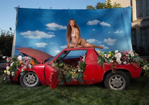 Beyonce Maternity Shoot