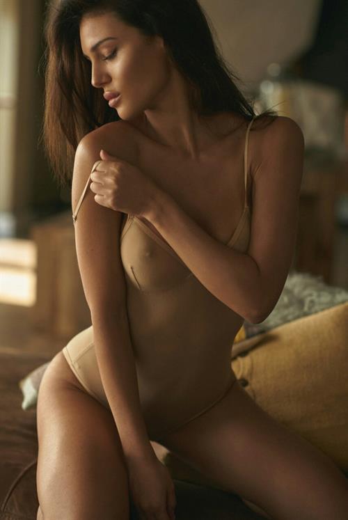 Silvia Caruso in lingerie
