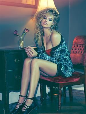 Hailey Clauson Sports Illustrated 2015 in body paint