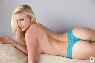 Kari Nautique in lingerie - ass