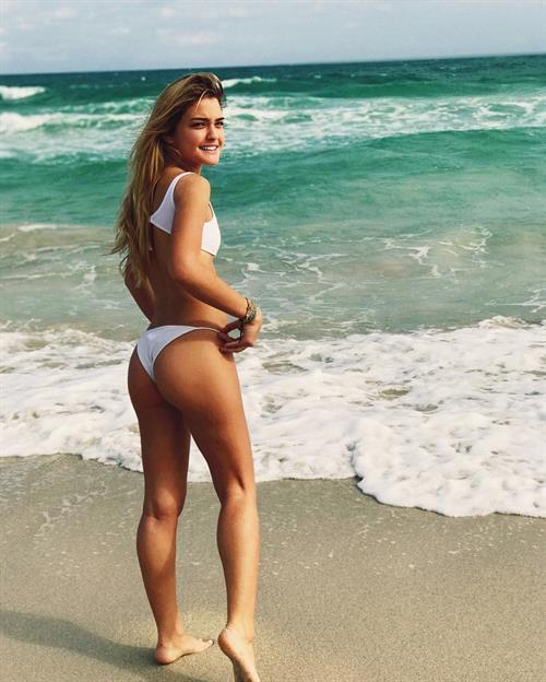 Vale Genta in a bikini - ass