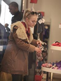 AnnaSophia Robb out shopping in New York City 12/21/12