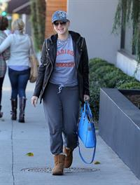 Anna Faris Stops by Salon Benjamin in West Hollywood (November 20, 2012)
