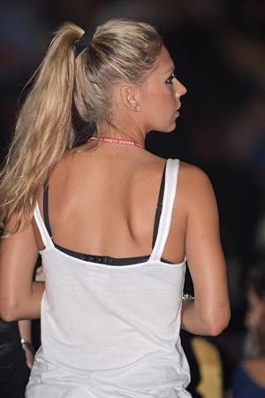 Anna Kournikova at Enrique Iglesias concert in Miami August 31 2012