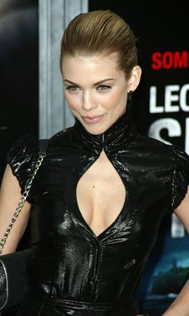AnnaLynne McCord premiere of Shutter Island in New York on February 17, 2010