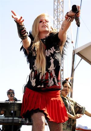 Avril Lavigne – iHeartRadio Music Festival 9/21/13