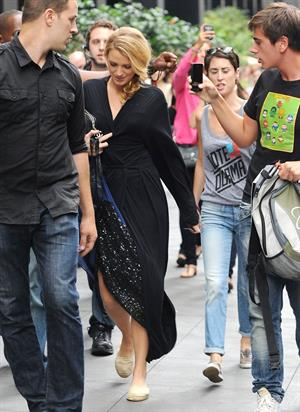 Blake Lively - On set of Gossip Girl - August 21,2012