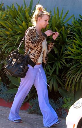 Britney Spears Leaving dance workout-studio in Santa Monica (November 13, 2012)