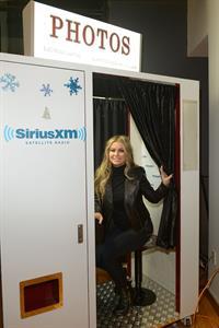 Carmen Electra Enters the Sirius M Studios in New York 05.12.12