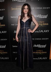 Dakota Fanning Breaking Dawn 2 premiere in NY 11/15/12