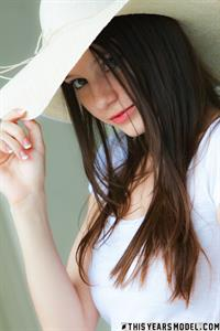 Rylee Marks in a Sunhat from This Years Model