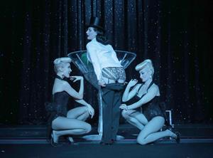 Dita Von Teese Excited for tonight's opening night in Los Angeles (19.06.2013)