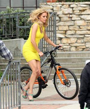 Elizabeth Banks on the set of 'Walk Of Shame' in LA 2/5/13