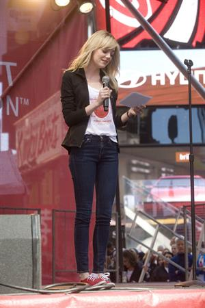 Emma Stone Revlon Run/Walk For Women in New York City - May 4, 2013