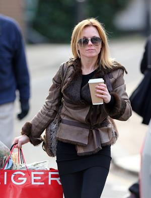 Geri Halliwell grabs a coffee in London February 4, 2013