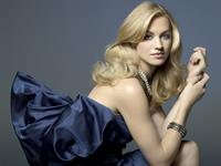 Yvonne Strahovski - Michaela Rosatto Photoshoot 2008 For InStyle