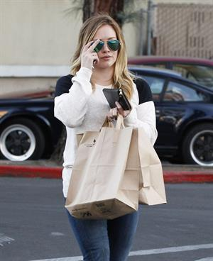 Hilary Duff shops for groceries at Ralph's in Beverly Hills 1/20/13