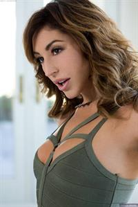 Christi Cinn shows her pussy for Digital Desire
