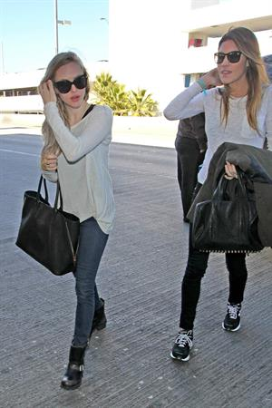 Jennifer Carpenter arrives at LAX to catch a flight out of town - January 21, 2013