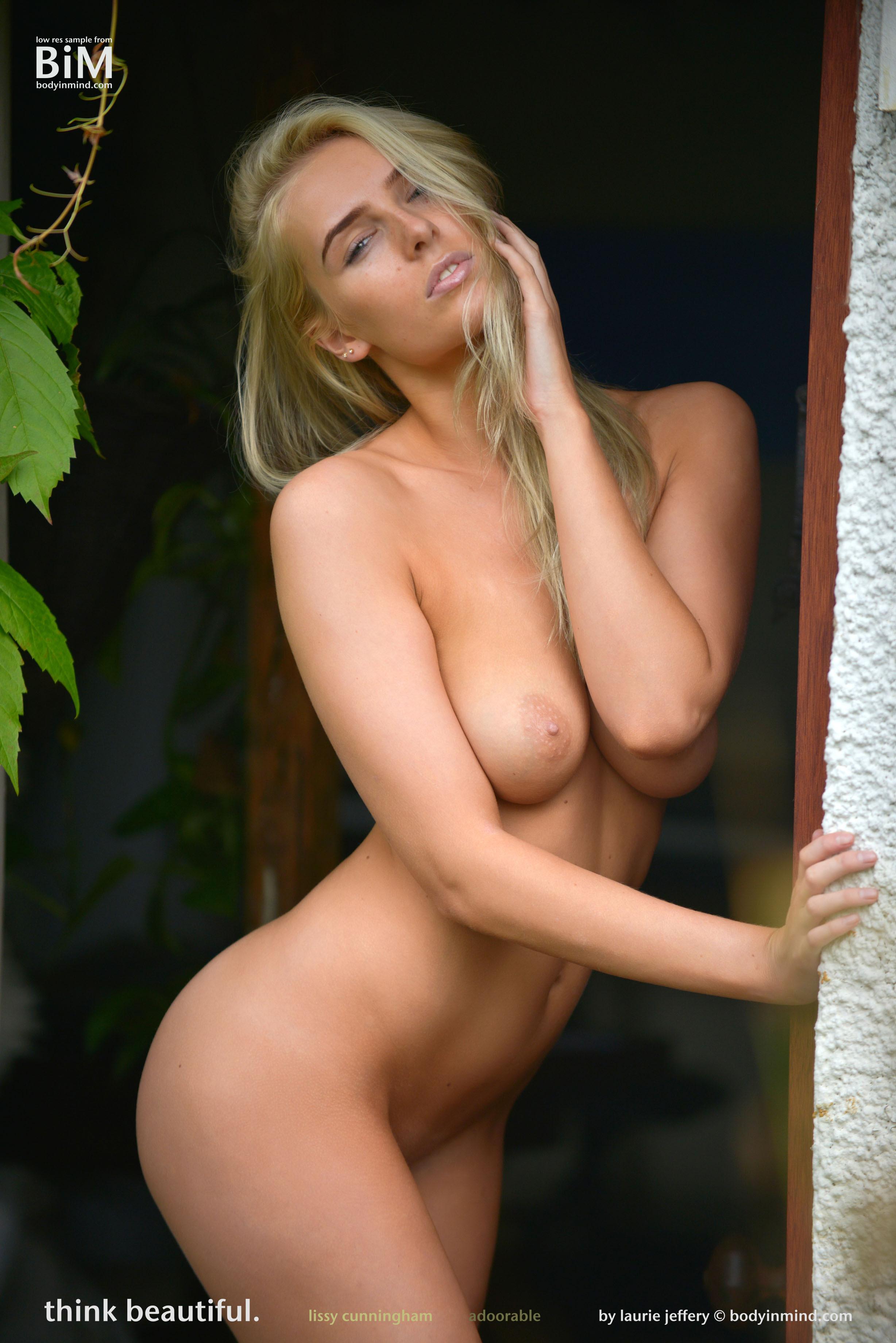 amateur girlfriend in sexy nude halloween costume