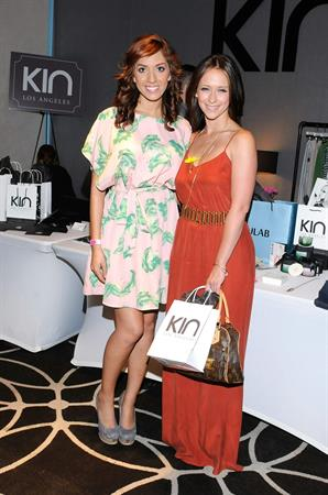 Jennifer Love Hewitt - Kari Feinstein's MTV Movie Awards Style Lounge, West Hollywood June 1, 2012