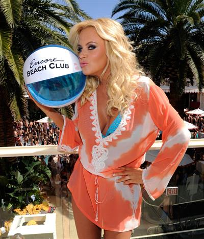 Jenny McCarthy Encore Beach Club at Wynn Las Vegas -- Mar. 30, 2013