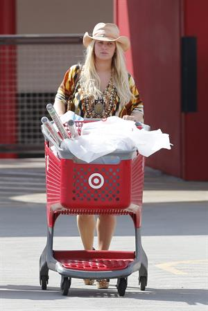 Jessica Simpson goes shopping in Hawaii December 26th, 2012