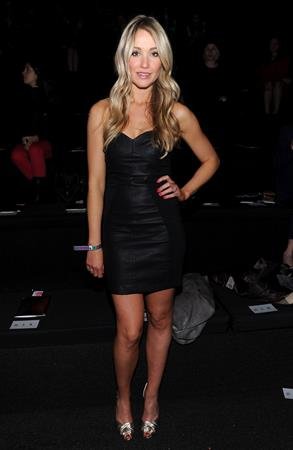 Katrina Bowden – 2013 Victoria's Secret Fashion Show