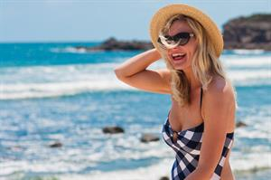 Kirsten Dunst - Bikini Photocall On The Beach In Punta Mita, Mexico June 3, 2012