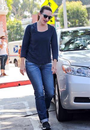 Kristen Davis at the Le Pain Quotidien restaurant in Brentwood - September 25, 2012