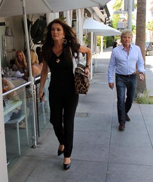Lisa Vanderpump Shopping in Beverly Hills (May 25, 2013)