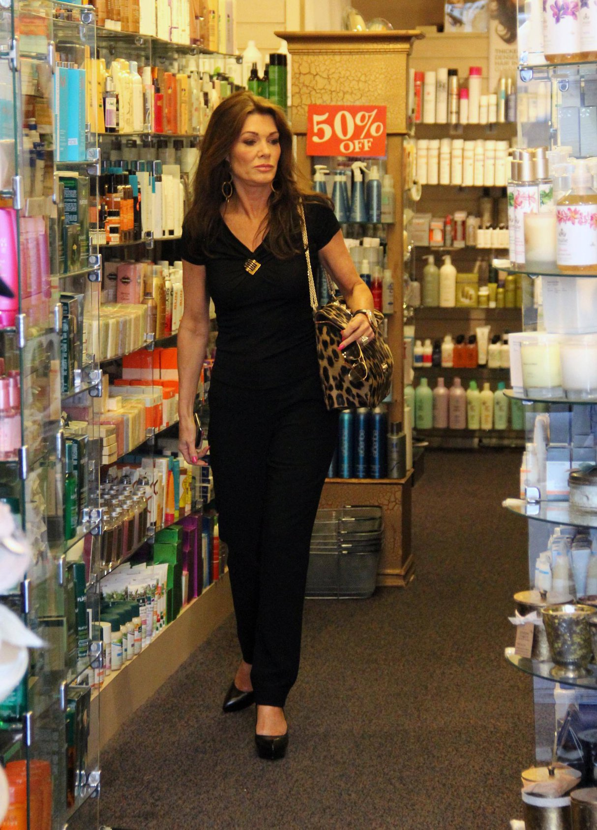 Lisa Vanderpump Shopping in Beverly Hills (May 25, 2013)