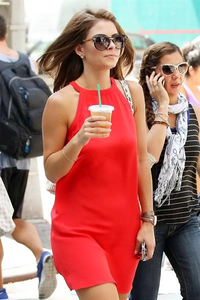 Maria Menounos - On her way to the set of Extra in New York on August 31, 2012